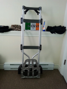 Collapsible dolly