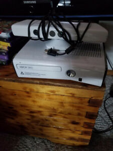 Xbox 360 model 1439 with kinect and 6 games, $50.obo