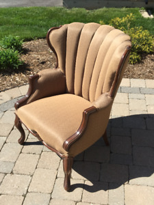 WINGBACK CHAIR EXCELLENT CONDITION - BEAMSVILLE