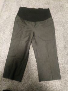 Maternity Capris in Medium