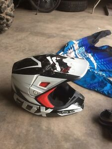 Fox V2 racing helmet and limited edition Thor goggles