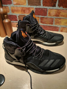 Size 13 Derrick Rose basketball shoes 8/10 Condition