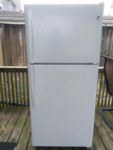 GE 20 Cu. Ft. Refrigerator - Excellent Condition $150