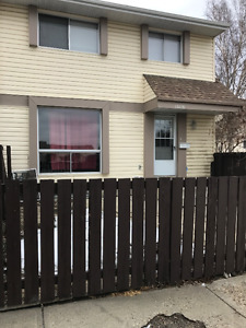 15116 51ST 3 BDRM  townhouse Ask about our move in incentive!!!