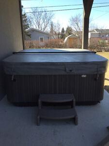 2015 Jacuzzi Hot Tub