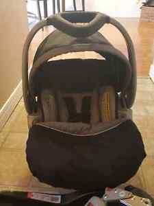 Basically brand new baby carseat and base (Baby-Trend brand)