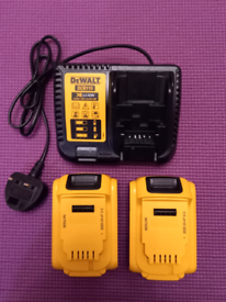 DeWalt 2x DCB184 5ah Battery with DCB115 Charger