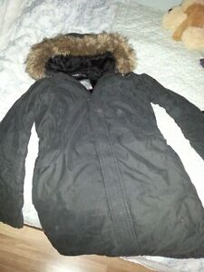 TNA/Aritzia sweaters, jackets, and tank tops sizes LG and XL Peterborough Peterborough Area image 4