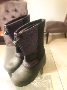 Size 4 Girls Animal Print Boots