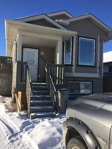 Legal 2 Bed 2 Bath Upper Suite in Westpointe Available March 1st