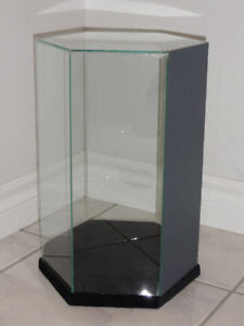 HEXAGONAL AND OCTAGONAL  TABLE TOP DISPLAY CASES