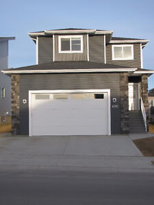 AS NEW SYLVAN LAKE 2 STORY~ QUICK POSSESSION POSSIBLE