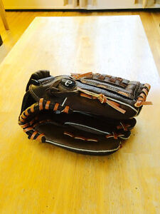 Brand new Rawlings Leather 12 Inch