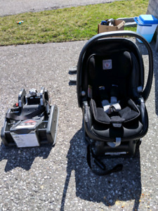 peg perego carseat with adapter expires october 2019