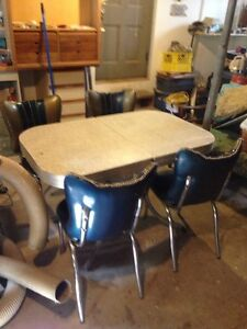 Groovy Retro,  kitchen table and 4 chairs