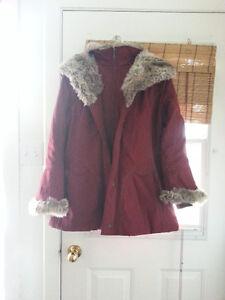 superbe manteau rouge vin Lindor