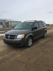 2010 Dodge Grand Caravan SE | Loaded | $6,100