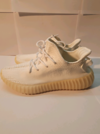 For sale triple white/cream yeezy boost 350 v2 in a size 6