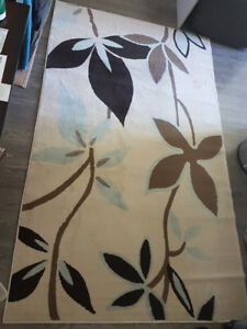 5x7 Rug - Excellent Condition