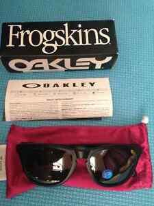 BNIB Oakley frogskins