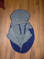 Housse - couvre poussette ou coque en polaire