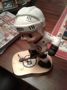 HOCKEY FIGURINE BOSTON