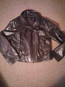 Extra large  leather jacket  Gatineau Ottawa / Gatineau Area image 1