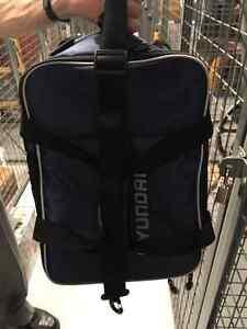 Petit sac à roulettes pour usage multiple
