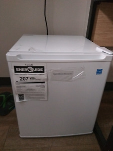 Mini fridge with freezer URGENT