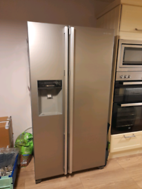 Daewoo American style fridge freezer