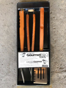 NEW-BBQ Utensils 3 piece set