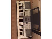 Yamaha Electric Keyboard PSR-e403