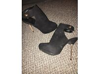 Brand new sz5 new look suede heeled boot shoes gold heels