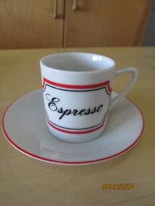 Ensemble de tasses à espresso neuves / Set of new espresso cups