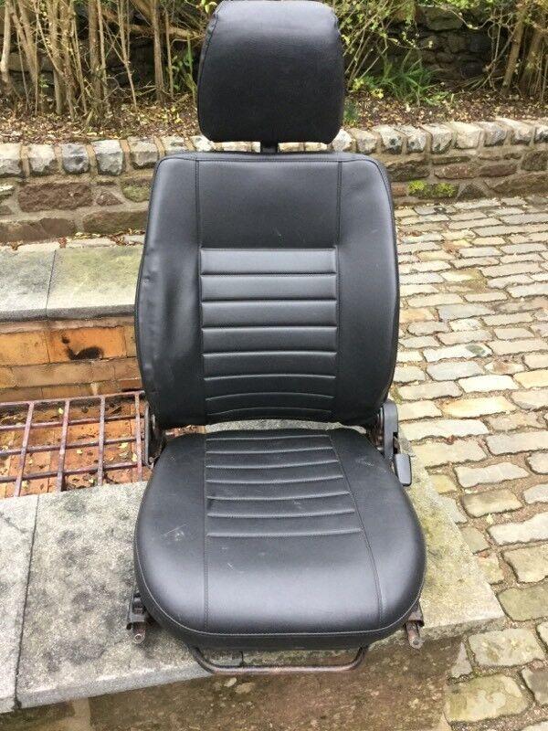 Land Rover Defender Passenger Front Seat