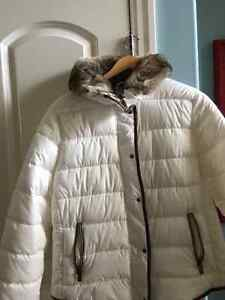 Off White Winter Jacket Kitchener / Waterloo Kitchener Area image 1