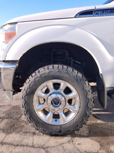 "Roues mags ford f-350 20"" avec pneus"