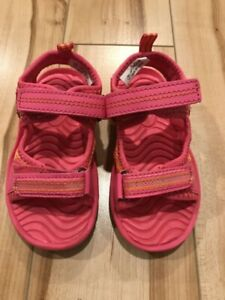 Brand New Toddler size 7 summer sandals.