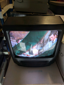 TV/VCR Combo, Admiral Brand, 20 VHS Tapes & Antenna Included,