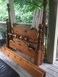 Unique Solid Pine Cannonball Bed