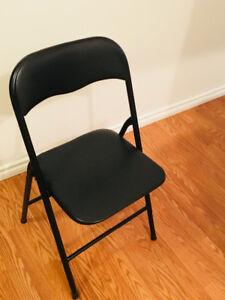 foldable black chair