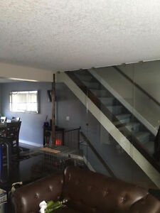 Beautiful 3 Bedroom Town home FREE $250 GROCERY CARD!!