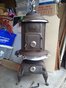 Vintage Wood Burning Stove! Solid Cast Iron!