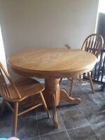 Round oak kitchen table