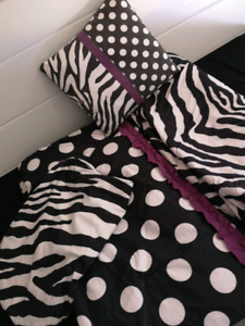 Twin bed bedding