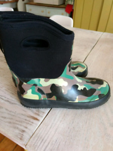Boots style bogs