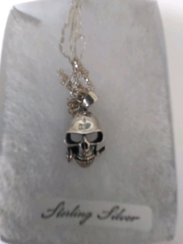 New Sterling Silver Skull Necklace In