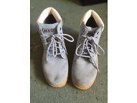 Leather boots size uk6 new unworn similar to timberland
