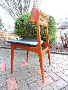 Teak chair, MId century modern chair, Teak desk chair.