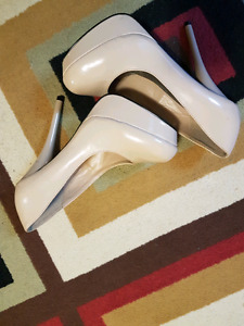 Size 7 speed limit 98 nude pumps